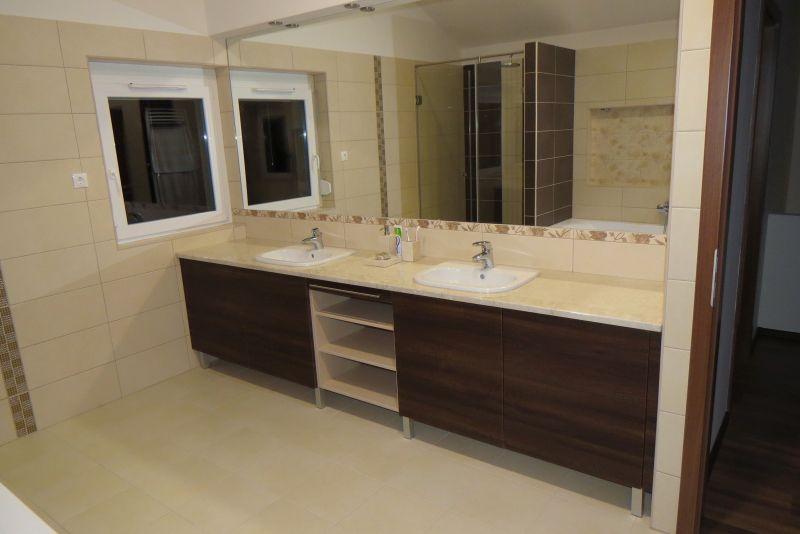 aida dió fürdőszoba bútor