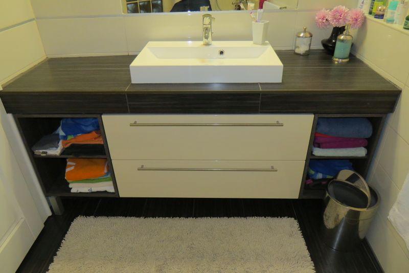 wenge beige fürdőszoba bútor