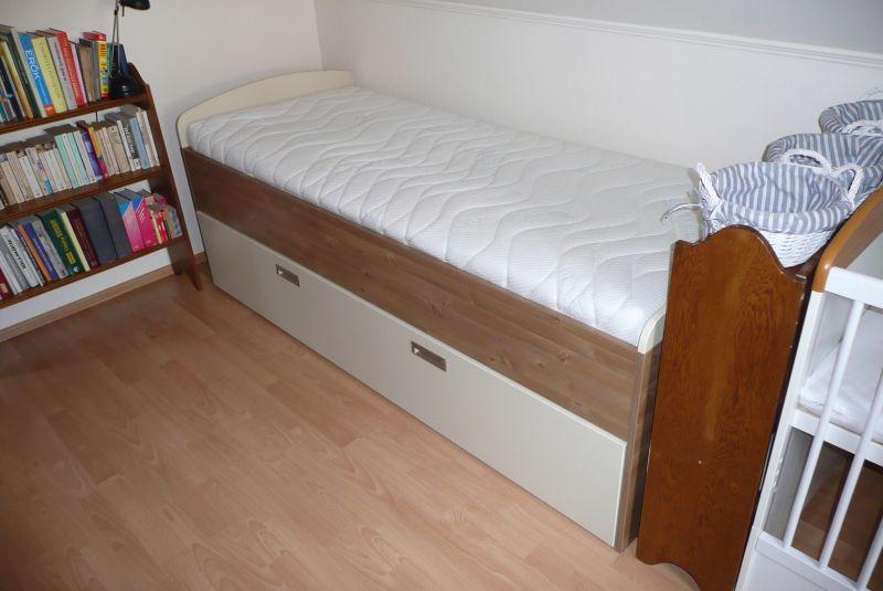 helytakarékos ágy